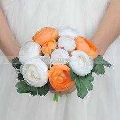 Orange-and-Ivory-Ranunculus-Asiaticus-Wedding-Bouquet.jpg (800×800)