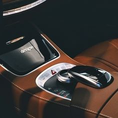 The touchpad and designo interior in the Mercedes-AMG S 63 Coupé.