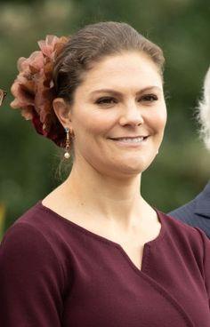 Oct 7, 2018 | Royal Hats Princess Victoria Of Sweden, Crown Princess Victoria, Prince Daniel, Queen Silvia, Swedish Royals, Poses, Portrait, Celebrities, Hats