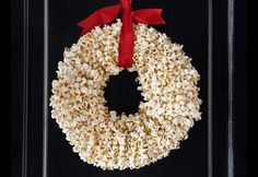 Holes Easy to Make Wreaths ~ http://www.lookmyhomes.com/easy-to-make-wreaths/