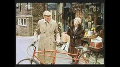 Episode 151: The Love Mobile - Smiler with the tandem bike Auntie Wainwright sold him.
