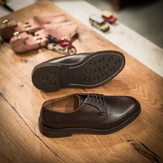 Soldaa, our #derbies in brown tumbled leather are available online atwww.velasca.com. Link in our bio.⠀ ⠀ #velascamilano #madeinitaly #shoes