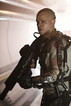 Matt Damon in an Exoskeleton for new Elysium photo