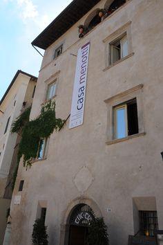 Casa Menotti, sede del Centro di Documentazione del Festival dei 2Mondi, ospita nella sua splendida terrazza la premiazione del Premio Monini Festival, Terrazzo, Portraits, Houses, Head Shots, Portrait Paintings, Portrait Photography