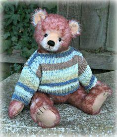 Lonnie was designed and created by #paulacarter www.allbearbypaula.com #teddybear #artistbear #teddy #mohair