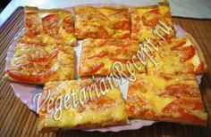 """пицца """"Тоненькая"""" - просто супер-супер: всё как надо, тонкая, с корочкой...короче обалденная! Тесто:   150 мл воды 70 мл растительного масла (или растопленного сливочного, или топленого) ½ ч. ложки соли 250-300 гр муки  Начинка для пиццы: 300 мл сметаны 200 гр твердого сыра 4 шт помидоров специи: асафетида (можно и другие по желанию), соль"""