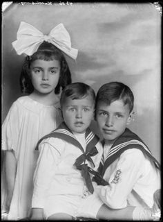 Two brothers in sailor suit, with their sister, Alfred, Cornelia and Henri Kattenburg, photo by Jacob Merkelbach, Amsterdam 1918