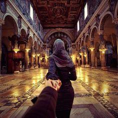 Artshop Maroc-Achat et vente de tableaux et oeuvres d'art-Je te suivrai jusqu'au bout de la terre! Étonnantes photos du photographe et sa copine qui le conduit par la main à travers le monde