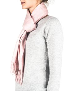 Kaschmir Schal washed rosa front Fashion, Dress, Cashmere, Scarves, Moda, Fashion Styles, Fasion