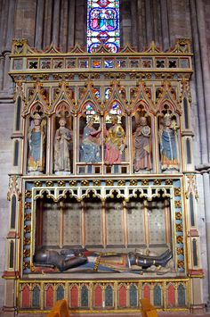 Tomb of a 14th Century Knight    Hereford Cathedral