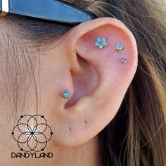 Couple of weeks in on healing and I got to snap a pic of this fun, playful set of piercings that are doing wonderful! All rose gold jewelry from @bvla featuring paraiba topaz, amethyst,  purple diamond,  and smokey quartz. #bvla #dandyland #dandylandtx #sanantonio #sa #210 #app #appmember #safepiercing #associationofprofessionalpiercers #love #instagood #cute #happy #beautiful #fun #fashion #swag #style #pretty #nice #fashionista #gold #goldbodyjewelry #drool #tragus #helix…