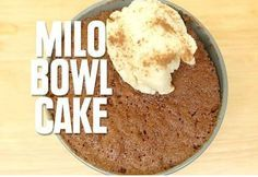 4 tablespoons of self-raising flour 4 tablespoons of Milo 4 tablespoons of sugar 1 beaten egg 3 tablespoons of milk 4 tablespoons of oil Method:Mix all the ingredients in a microwave proof bowl until well combined.Microwave for 3 minutes. Delicious Cake Recipes, Yummy Cakes, Dessert Recipes, Quick Dessert, Delicious Dishes, Milo Recipe, Pear And Chocolate Cake, 3 Ingredient Mug Cake, Food Cakes