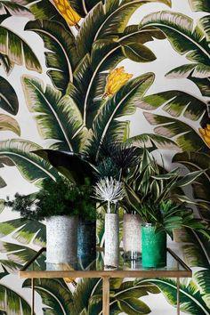 Haymes / Interieurtrends 2015 / Breng de natuur terug in je huis. Botanische prints. Feature wall in entry?
