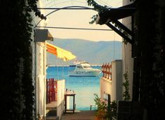 A path to your accommodation at sea... (photo: Bodrum)