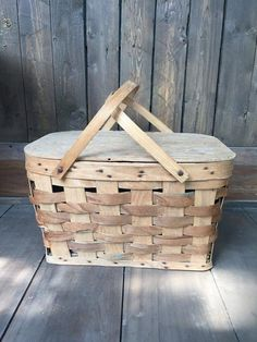 Vintage Woven Picnic Basket - Woven Ash Picnic Basket - Summer Picnic - Rustic home Decor - Country Home Decor - Hinged Lid Basket