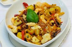 Fish and pepper stew Red and yellow peppers combined with prawns and white fish in a simple white wine sauce, this fish and pepper stew is a delicious idea for mid-week family meals