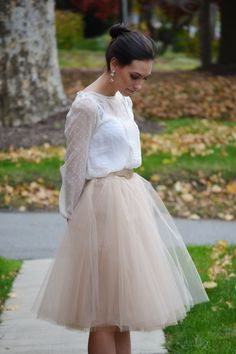 Wellesley & King - the perfect fall outfit in a tulle skirt and lace top with statement earrings. Click to see more real-girl style from Wellesley & King