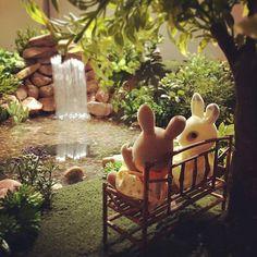 #ドールハウス #ミニチュア #ジオラマ #森林家族 #シルバニアファミリー #sylvanianfamilies #calicocritters #diorama #miniature #dollhouse #waterfall #bunnies #シルバニア