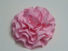 How to make flowers: Gros Ribbon Flowers Ribbon Art, Diy Ribbon, Fabric Ribbon, Ribbon Crafts, Flower Crafts, Cloth Flowers, Diy Flowers, Paper Flowers, Satin Flowers