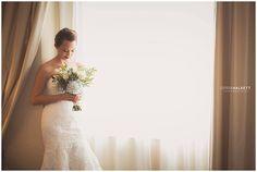 Beautiful bridal portrait by Derek Halkett Photography | The Pink Bride®️️ www.thepinkbride.com