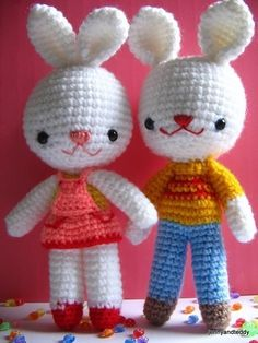 Charlie And Angel Bunny Amigurumi • Free tutorial with pictures on how to make rabbit plushie in 6 steps