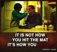 """DareDevil quote / Citation """"Ce qui importe, ce n'est pas la chute mais comment tu te relèves"""" Daredevil saison 01 épisode 02"""