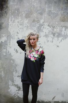 Sweater mit Rosen Druck // sweater with roses by Like Life Clothing via DaWanda.com