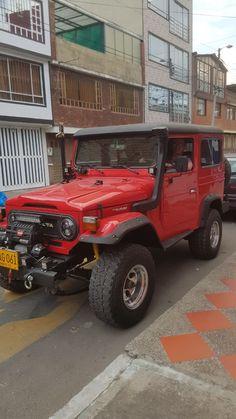 Toyota Land Cruiser, Carros Toyota, Toyota Fj40, Offroad, 4x4, Jeep, Monster Trucks, Wheels, Places