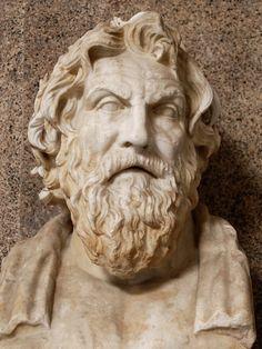 Antístenes foi um filósofo grego considerado o fundador da filosofia cínica, aprendeu retórica com Górgias antes de se tornar um discípulo de Sócrates. Wikipédia. Nascimento: 445 a.C., Atenas, Grécia. Falecimento: 365 a.C., Atenas, Grécia