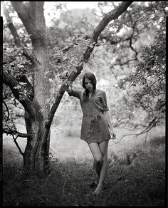 Black and White in the woods...I would like to do a photoshoot like this RIGHT now!