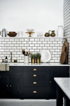 Dumbfounding Useful Ideas: Long Kitchen Remodel Stove kitchen remodel wall removal bathroom.Small Kitchen Remodel 2017 farmhouse kitchen remodel on a budget.Old Kitchen Remodel Fixer Upper. Black Kitchen Cabinets, Kitchen Cabinet Colors, Painting Kitchen Cabinets, Black Kitchens, Home Kitchens, Kitchen Backsplash, Kitchen Black, White Cabinets, Metro Tiles Kitchen