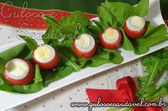 Este Tomate Recheado com Ovo de Codorna é uma entrada leve, saborosa e rápida de fazer!  Além de ter um visual muito apetitoso, não acham?  #Receita aqui: http://www.gulosoesaudavel.com.br/2011/11/23/tomate-recheado-ovo-codorna/