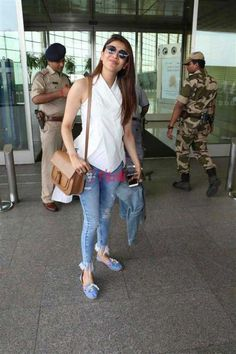 Kajal Aggarwal Photos [HD]: Latest Images, Pictures, Stills of Kajal Aggarwal - FilmiBeat Airport Look, Recent Movies, After Marriage, Jacqueline Fernandez, Latest Images, Celebs, Celebrities, Photo Galleries, Celebrity Style