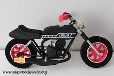 www.unpocodetodo.org - Fofucho en moto de 5special - Fofuchas - Goma eva - crafts - custom - customized - foami - foamy - manualidades - moto - motocicleta - motorbike - personalizado - 5