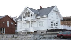 This Old House, Norwegian House, Old Houses, Bungalow, Cabin, Mansions, Architecture, House Styles, Buildings
