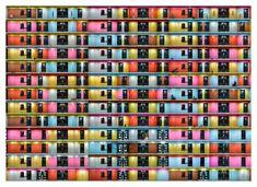 Roger Frei réalise des vues en coupe d'immeubles d'habitations depuis leurs parties communes en photographiant méticuleusement chaque mur, porte et couloir de chaque étage avant d'assembler les images pour tout mettre à plat et créer ces images qui ressemblent à des motifs abstraits.