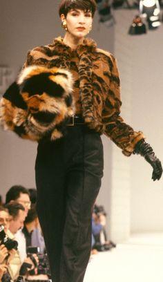 Fondazione Gianfranco Ferré / Collections / Woman / Prêt-à-Porter / 1989 / Fall / Winter
