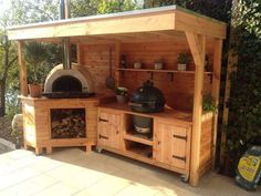 Outdoor-Küche und Pizzaofen - - Outdoor kitchen and pizza oven Outdoor-Küche und Pizzaofen Outdoor Kitchen Bars, Pizza Oven Outdoor, Backyard Kitchen, Summer Kitchen, Outdoor Kitchen Design, Rustic Outdoor Kitchens, Simple Outdoor Kitchen, Outdoor Grill Area, Bbq Area