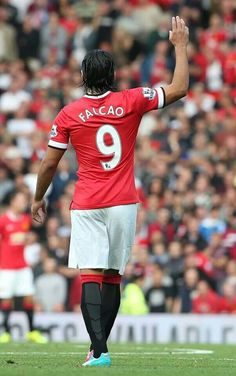 Falcao receives warm welcome at Old Trafford. Manchester United Team, Official Manchester United Website, Manchester City, Old Trafford, Pier Paolo Pasolini, Football Love, Football Stuff, Match Highlights, Professional Football