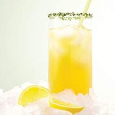Homemade Energy Drink:  Ingredients      1 cup boiling water     2 green tea bags     1 yerba maté tea bag     1 1/2 tablespoons agave, honey or sugar     2 tablespoons lemon juice     Ice cubes     Chopped fresh mint (optional)