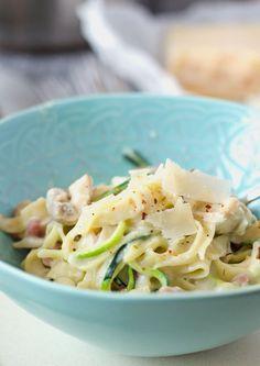 One-Pot-Pasta mit Champignons, Zucchini und Schinken