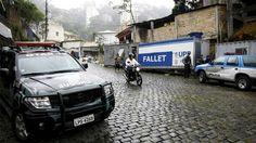 Traficantes do Fallet (CV) Invadem a Base da UPP   Crimes News - Facções - Rio De Janeiro - Tráfico - CV - ADA - TCP - Operação Policial
