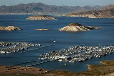Lake Mead - water levels remain low after years of drought. Las Vegas, Lake Mead, Places Ive Been, The Good Place, Roots, Arizona, Stuff To Do, Past, Scenery