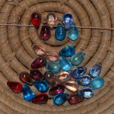 Lot 30 perles en verre - forme goutte 6x9 mm - mélange de 6 couleurs A/B