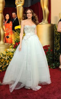 SJP looks gorgeous in this fairytale gown.
