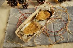 Huîtres chaudes à la charentaise Oyster Recipes, Clams, Four, Oysters, Good Food, Coconut, Warm, Cooking, Ethnic Recipes