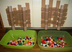 Bac sensoriel pompons chez Edith Montessori, Activities, Couture, Baby Play, Pranks, Pom Poms, Sensory Play, Sensory Boxes, Space Games