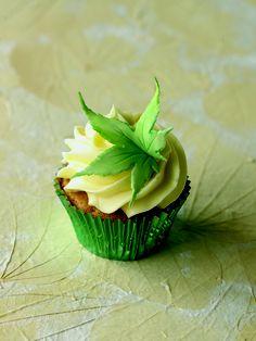 Falling leaf cupcake
