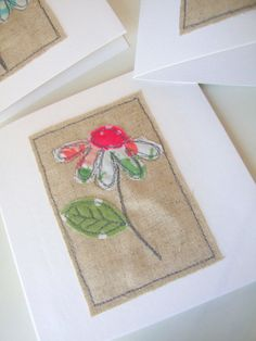 Appliqued daisy fabric and linen blank card by teenywhitedaisy, Good way to use the linen samples I have. Embroidery Cards, Free Motion Embroidery, Free Motion Quilting, Fabric Cards, Fabric Postcards, Freehand Machine Embroidery, Free Machine Embroidery, Sewing Cards, Patch Aplique