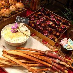 Instagram media by lauramaestrada - Dip de espinaca y alcachofa, uno de nuestros productos preferidos. ❤️✨ ¿ya lo probaste?  #lauramaestrada #catering #love #food #yummy
